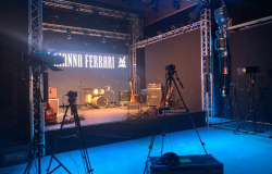 ARIANNA FERRARI LIVE SET STREAMING